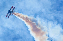 Aerobatic Bremsungs-Flugzeug Lizenzfreie Stockfotos