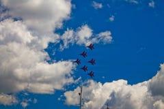` Aerobatic de Strizhi do ` do ` de Swifts do ` da equipe Imagens de Stock Royalty Free