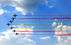 Aerobatic Demonstrationsteam Patrulla Aquila Stockfotos