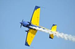 Aerobatic Flugzeug des Sports Extra-300 Stockbild