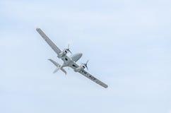 Aerobatic Flugzeug steuert Training im Himmel der Stadt Diamantflugzeug Aeroshow Stockbild