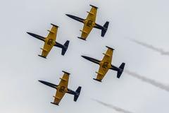 "Aerobatic Gruppe ""????"" stockfotografie"