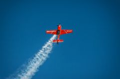 Aerobatic Gruppenbildung Zelazny am blauen Himmel Stockbilder