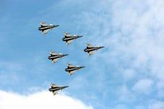Aerobatic lagpiloter för F16 Gripen och Augusti 1st Arkivbilder