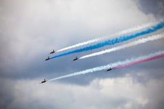 Aerobatic Team RUSS auf dem internationalen Luftfahrt und Raum salo Lizenzfreies Stockbild