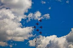 Aerobatic Team ` Swifts-` ` Strizhi-` Lizenzfreie Stockbilder