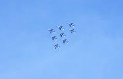 Aerobatic Zeigung im Himmel Stockfotos