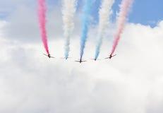 Aerobatic Zeigung RAF Red Arrows in Tallinn, Estland Lizenzfreies Stockbild