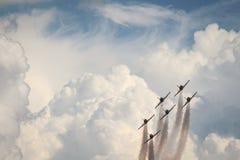 Aerobatics drużyna podczas airshow obrazy stock