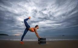Aerobico sulla spiaggia Immagini Stock