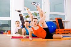Aerobicsfrauen Lizenzfreie Stockbilder
