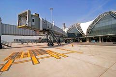 Aerobridge an Suvarnabhumi-Flughafen Stockbild