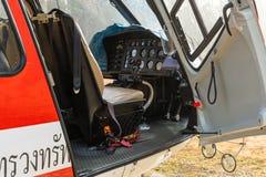 Aerobus Eurocopter AS350 helikopter z kabinowym drzwi otwartym zdjęcia royalty free