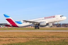 Aerobus A320 od Eurowings Zdjęcia Royalty Free