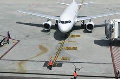 Aerobus A320 przy bramą Obrazy Stock