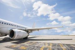 Aerobus samolot na lotnisku, Koh Samui, Tajlandia obraz stock