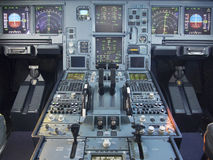 Aerobus A330 samolotu kokpitu przód i zwyczajny panel Fotografia Royalty Free