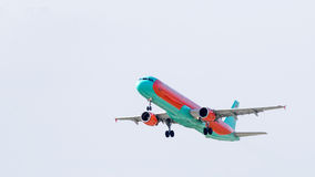 Aerobus A321 w niebie Fotografia Stock