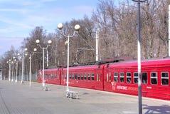 Aeroexpress est à l'aéroport de Domodedovo de gare ferroviaire Photos libres de droits