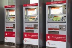 Aeroexpress etikettiert Kiosk Aeroexpress Ltd. ist der Betreiber von Luft-Bahnnetzservicen in Moskau, Russland Stockbild