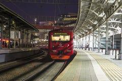 Aeroexpress-Zug am Bahnhof Belorussky Moskau, Russland Stockfotografie