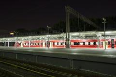 Aeroexpress-Zug am Bahnhof Belorussky Moskau, Russland Stockfoto