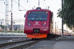 Aeroexpress-Zug am Bahnhof Belorussky Moskau, Russland Stockbild