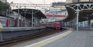 Aeroexpress-Zug am Bahnhof Belorussky Moskau, Russland Stockbilder