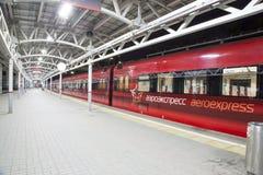 Aeroexpress-Zug am Bahnhof Belorussky Moskau, Russland Lizenzfreie Stockbilder