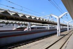 Aeroexpress-Zug Sapsan an der Leningrad-Station Moskau, Russland Stockfotografie
