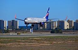 Aeroflot-Fluglinien, die an Alicante-Flughafen landen Stockbilder