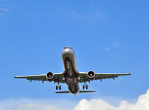 Aeroflot-Flugzeug im Himmel Lizenzfreie Stockfotografie