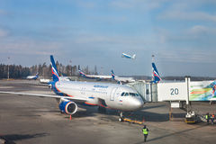 Aeroflot-Flugzeug ist an Sheremetievo-Flughafen, Moskau gelandet Stockbilder