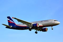 Aeroflot flygbuss A320 Fotografering för Bildbyråer
