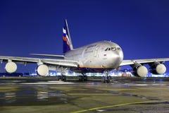 Aeroflot IL-96-300 RA-96005 an internationalem Flughafen Sheremetyevo Stockfotos