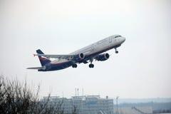 Aeroflot - linhas aéreas Airbus A321-200 VQ-BHK do russo Fotografia de Stock