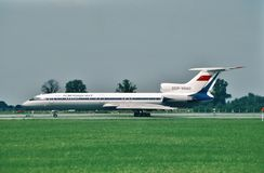 Aeroflot Tupolev Tu-154M przyjeżdża Hamburg, Germany po lota od Moskwa, Rosja zdjęcie royalty free