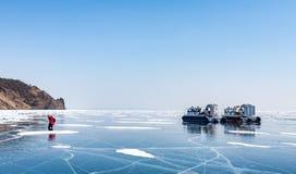 Aerohod, Khivus, coxim de ar especial do veículo no gelo do lago Foto de Stock