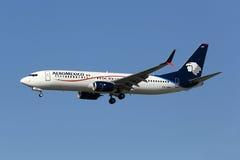 AeroMexico Boeing 737-800 flygplan Fotografering för Bildbyråer