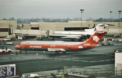 Aeromexico Douglas DC-9-32 XA-DEM på Los Angeles den internationella flygplatsen på December 22, 1988 Royaltyfria Bilder