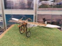 Aeronaveantigua creada por los hermanos wright stock foto's