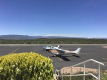 Aeroplanes at Payson Airport Arizona. Aeroplanes on the ramp at Payson Airport in the high country of Arizona on a beautiful clear sunny day Royalty Free Stock Image