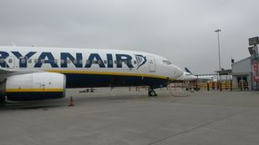 Aeroplani di Ryanair, Londra Fotografie Stock Libere da Diritti