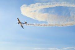 Aeroplano acrobático imagen de archivo