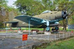 Aeroplano, AD-6 (Douglas A-1 Skyraider) en el museo de la ciudad Imagenes de archivo