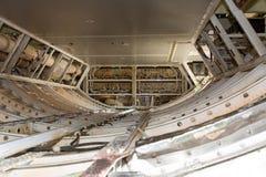 Aeroplano adentro, espacio del equipaje Fotos de archivo libres de regalías