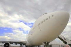Aeroplano in aeroporto Fotografie Stock