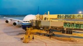 Aeroplano, aeroporto, aeroplano commerciale, velivolo, aeroporto Ter fotografia stock libera da diritti