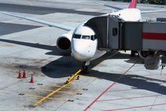 Aeroplano al cancello Fotografia Stock