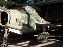 Aeroplano antiguo militar del thunderstreak de F 84 f en la exhibición real Imagen de archivo libre de regalías